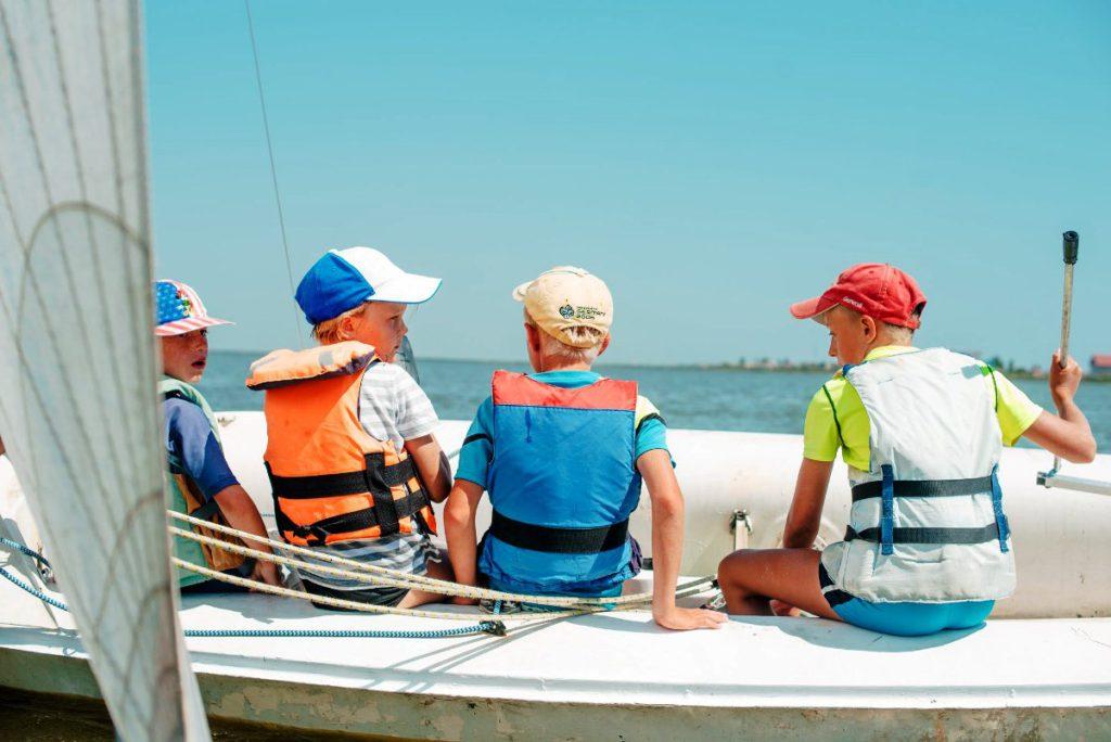 Summer-sailing-camp